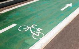 Monte en bicicleta el camino Imagenes de archivo