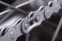 Monte en bicicleta el encadenamiento Imagen de archivo
