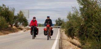 Monte en bicicleta viajar en España Fotos de archivo libres de regalías