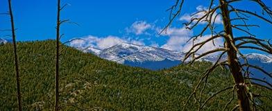 Monte a Evans según lo visto de parque del halcón del soporte en Jefferson County, Colorado imagen de archivo
