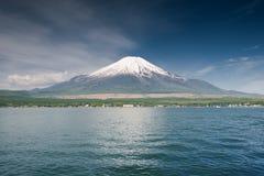Monte Fuji dramático foto de stock royalty free
