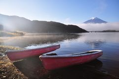 Monte Fuji e lago Kawaguchiko Fotos de Stock