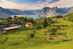 Monte Isola in Italië stock afbeelding