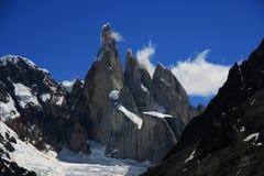Monte o aka de Fitz Roy Argentina a montanha de fumo imagens de stock