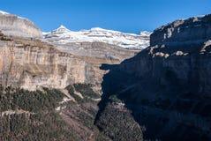 Monte Perdido в национальном парке Ordesa, Уэске. Испания. стоковая фотография rf