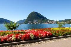 Monte San Salvatore gesehen vom Park Stockbild