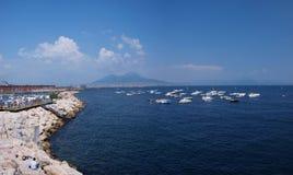 Monte Vesuvio y Nápoles, Italia Fotos de archivo libres de regalías