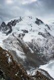 Monte z ciemnymi chmurami Rosa Fotografia Royalty Free