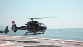 Montecarlo Maj 26 2018: helikoptern tar av på se lager videofilmer