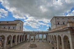 Montecassino, ITALIA - 1 de junio de 2016: Interior de la abadía en Montecassino, Italia Imágenes de archivo libres de regalías