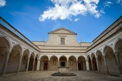 Montecassino, ITALIA - 1 de junio de 2016: Interior de la abadía en Montecassino, Italia Fotos de archivo