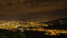 Montecatini Terme 's nachts, dichtbij Florence in Toscanië royalty-vrije stock foto's