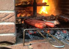 Montecatini, Tuscany, Włochy, Czerwiec 30th, 2018 Mięso na grillu obrazy stock