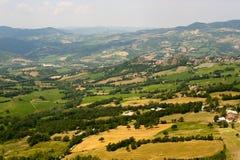 Montefeltro (marzos), paisaje en el verano Fotografía de archivo libre de regalías