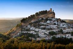 Montefrio一个晴天,格拉纳达省,西班牙 库存图片