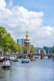 Montelbaanstoren塔在阿姆斯特丹,荷兰 免版税图库摄影