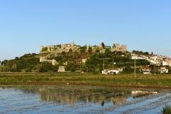 Montemor o velho村庄和城堡, 库存图片