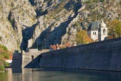 Montenegro, alte Festung der alten Stadt von Kotor Ansicht ohne Lizenzfreies Stockfoto