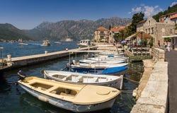 Montenegro, bahía de Kotor  2018 DE Ñ DE 21 июД El terraplén de t imagenes de archivo