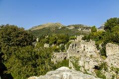 montenegro De stad van oude die Bar door de aardbeving wordt beïnvloed Stock Afbeeldingen
