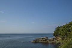 montenegro Er zijn vele comfortabele inhammen op de kust van de Middellandse Zee Stock Afbeeldingen