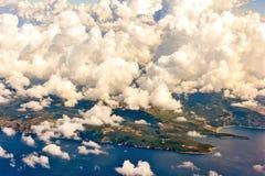 Montenegro från flygplanhyttventilen arkivbilder