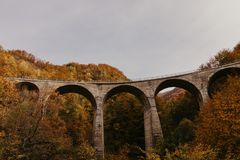 Montenegro gammal bro, höst fotografering för bildbyråer