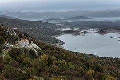 Montenegro Härligt landskap skadar lake royaltyfri fotografi