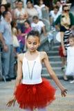 Montenegro Herceg Novi - 04/06/2016: Liten ballerina Arkivbilder