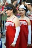 Montenegro Herceg Novi - 04/06/2016: Unga aktörer dansar charlestonen, iklädd retro stil Royaltyfri Bild
