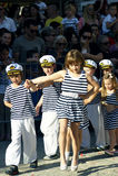 Montenegro Herceg Novi - 04/06/2016: Unga sjömän Royaltyfri Bild