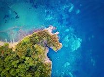 Montenegro-Küsten-Dorf-Antenne stockfotografie
