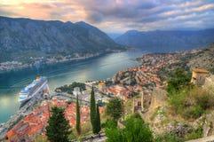 Montenegro, Kotor-baai, Kotor - oude stad, vesting St John stock foto