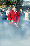 Montenegro, Kumbor - 02/06/2016: Tradycyjni strzelanina pistolety przy otwarciem festiwal Obraz Royalty Free