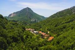 Montenegro - pärlan av den Adriatiska havet kusten Arkivfoton