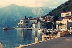montenegro perasttown Montenegro Stad vatten royaltyfria bilder