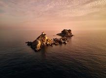 montenegro Por do sol na baía de Kotor A vista da parte superior MAR DE ADRIÁTICO imagens de stock