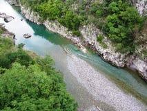 Montenegro, río de la montaña Foto de archivo