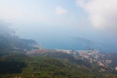 Montenegro, Rafailovici vista na praia do mar Imagem de Stock