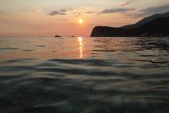 Montenegro zmierzch na morzu śródziemnomorskim Zdjęcie Stock