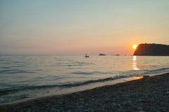 Montenegro zmierzch na morzu śródziemnomorskim Zdjęcia Stock