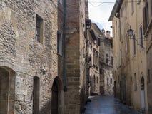 Montepulciano, Σιένα, Ιταλία: ιστορικά κτήρια στοκ εικόνα