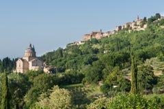 Montepulciano, szczytu miasteczko z katedrą w Tuscany Obraz Stock