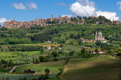 MONTEPULCIANO TUSCANY/ITALY - MAJ 17: San Biagio kyrkligt near M Royaltyfri Foto