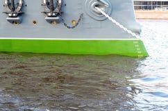 Monter à bord du vieux croiseur blindé photo libre de droits