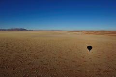 Monter en ballon au-dessus du désert de Namib (Namibie) Photographie stock