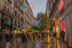 Montera街道,有圣诞节装饰的,在马德里 图库摄影