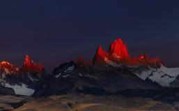 Montera Fitz Roy på soluppgång, Patagonia, Argentina Arkivbilder