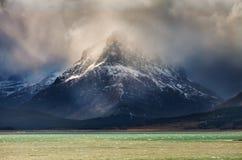 Montera Grinnell i glaciärnationalpark på en stormig dag Arkivfoto