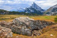 Montera Sass de Stria, den Falyarego banan, Dolomites Arkivbild